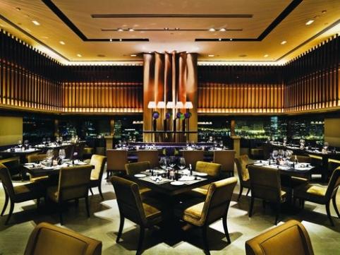 7804_Cafe_Gray_main_dining_hall