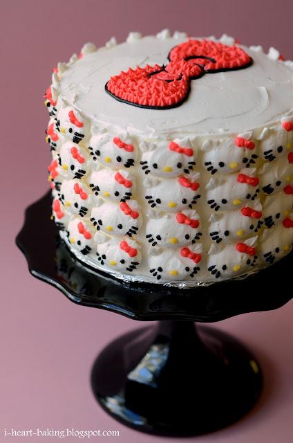 cake_helloKittyCovered_DSC_0418